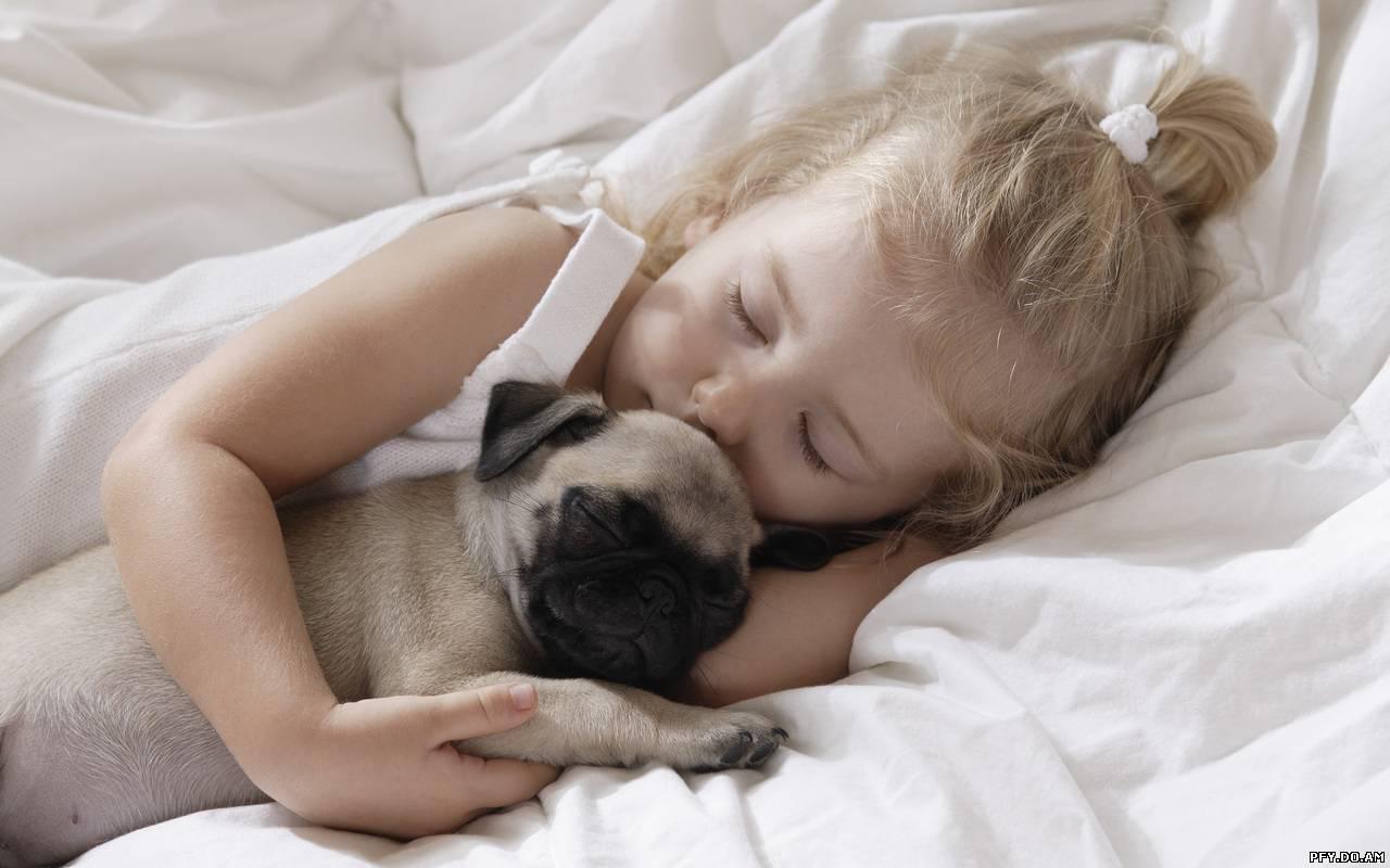 Спать с дочкой 1 фотография
